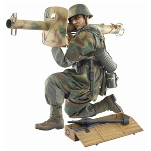 "Boxed Figure: Dragon Hugo Hartwig""(Grenadier) (70479)"