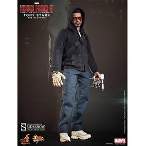 Boxed Figure: Hot Toys Tony Stark (The Mechanic) (902101)