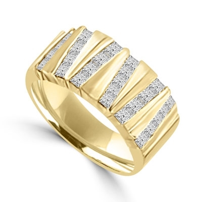 Gold band with 1.25 ct round stone set in between
