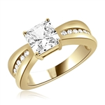 1.25ct Stunning ring with princess stone in yellow gold