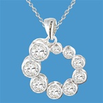Round Brilliant White Masterpieces pendant in 2ct sotne