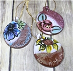 Pottery - Ornament - Round and embossed - Choose your flower