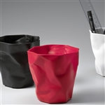 essey red pen pen desktop pen pot