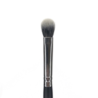 B8 - PRO BLENDING FLUFF BRUSH