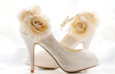 White Rose Lace Pumps