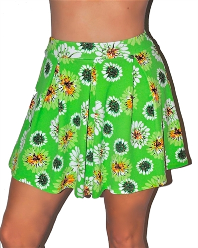 trendy floral mini skirt, daisy floral mini skirts, pleated skirt, party skirts in green floral, floral skater mini skirts, glam skirts, short floral skirts in green, casual party skirt, date skirt, trendy skirts in floral pleated w daisies of green