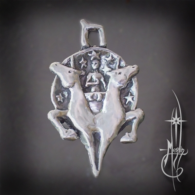 The Chariot Amulet
