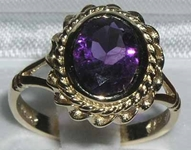 Stunning 9K Yellow Gold Amethyst Solitaire Ring