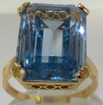 Stunning 9K Yellow Gold Synthetic Aquamarine Statement Solitaire Ring