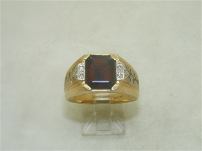 10k Yellow Gold Garnet Diamond Ring