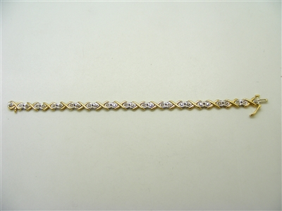 Ladies Kisses and Heart Diamond Bracelet