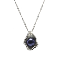 Sterling Silver Oyster Pendant with Cultured Freshwater Black Pearl