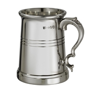 The Vanguard Fine English Pewter Pint Tankard with Wooden Presentation Case