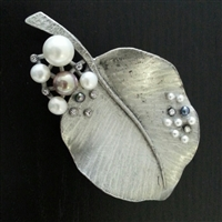 Fresh-Water Pearl Brooch