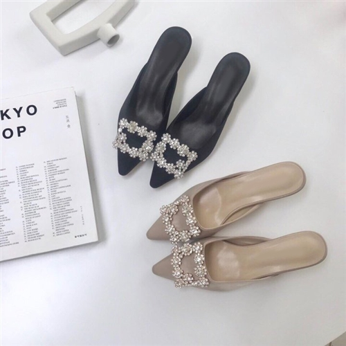 Flower Cubic Mule (Beige/Black) (230~250) (will ship within 1~2 weeks)