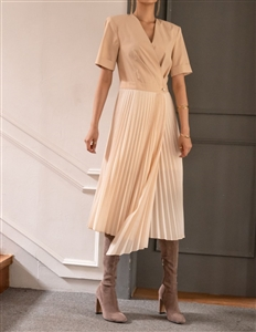 Pleated Dress (Beige/Black) (S/M) (will ship within 1~2 weeks)