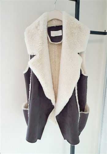 Suede Vest (Beige/Khaki) (will ship within 1~2 weeks)