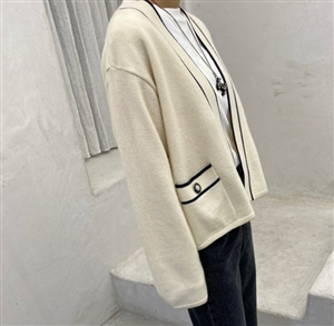 Line Cardigan (Ivory/Navy) (will ship within 1~2 weeks)