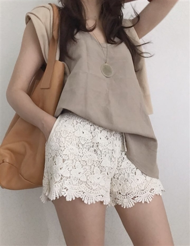 (Best; Back-Order; 3rd Reorder) Lace Short Pants (Beige/Black/Ivory) (will ship within 1~2 weeks)