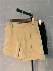 Toteme Short Pants (Beige/Black) (55/66/77) (will ship within 1~2 weeks)
