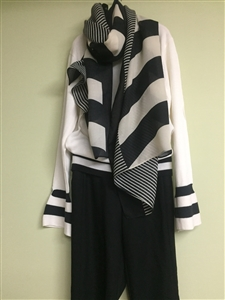 (Pre-Order) Black and White Stylish Scarf (will ship within 1~2 weeks)