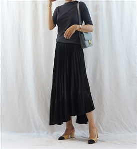 Black Unbalanced Pleated Skirt (will ship within 1~2 weeks)