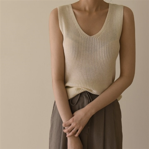 Line V Neck Sleeveless Knit (Ivory/Beige/Yellow/Brown/Black) (will ship within 1~2 weeks)