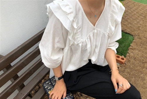 Black Label Frill Blouse (Beige/Black/White) (will ship within 1~2 weeks)