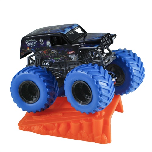 1:64 Hot Wheels Color Treads Son-Uva Digger Truck - Stunt Ramp Series