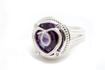 Exclusive Alexandrite Heart Ring, Bright Finish