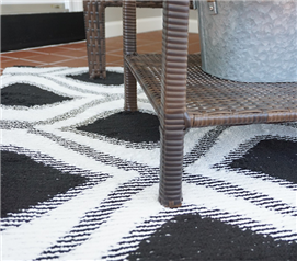 Bargello Dorm Rug - Black & White