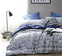 Cozy soft mattress comforter set in King extra wide - comfortable King oversize comforter in dark navy blue