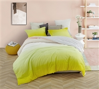 High Quality Extra Large King Comforter Beautiful Yellow Ombre Sunshine Stylish and Soft Oversized King Bedding