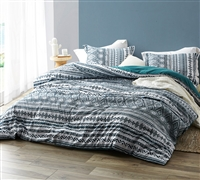 Colorful Queen XL Bedding Eccentric Zanzibar Teal and White Queen Oversize Comforter Made with Super Soft Microfiber