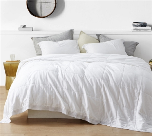 Super Stylish Twin XL, Queen, and King Bedding 300TC Soft Washed Sateen Bom Dia Quilted Comforter