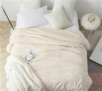 Easy to Match Neutral Queen Bedding Plush Me Sooo Comfy Ecru Microfiber Coral Fleece Queen Blanket