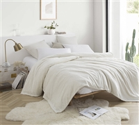 Me Sooo Comfy Bedding Blanket - Farmhouse White