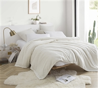 Me Sooo Comfy Queen Bedding Blanket - Farmhouse White