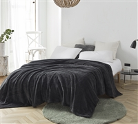 Me Sooo Comfy Queen Bedding Blanket - Pewter