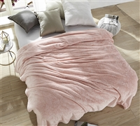 Pretty Pink Queen Bedding Comfortable Rose Quartz Me Sooo Comfy Queen Oversize Blanket