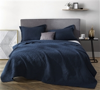 Unique Pre-Washed Oversized King Quilt Comfortable Supersoft King XL Bedding Navy Blue with Textured Design