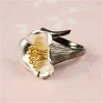 Two Tone Silver Gold Stamen Ring