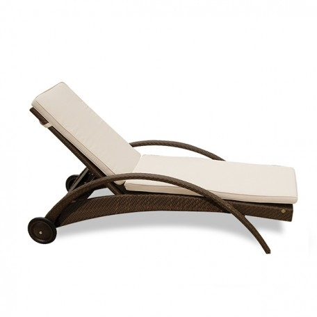 Atlantis stacking chaise lounge for Atlantis wicker patio chaise lounge