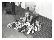 6222 FR Lady posing with shoes