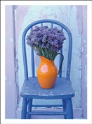 6612 NC Violets in vase on chair