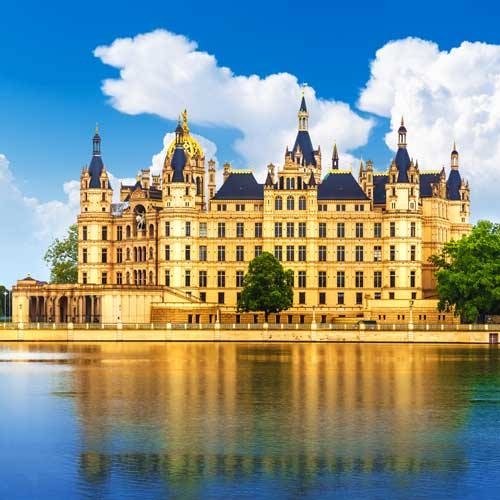 Wismar Shore Trips - Wismar and the Schwerin Castle
