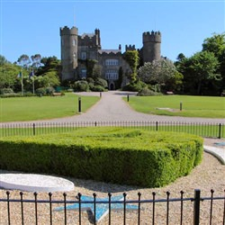 Dublin Shore Trip - Botanic Gardens and Malahide Castle