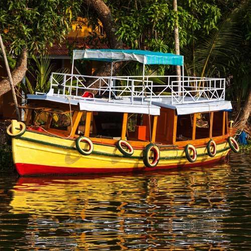 Cochin Shore Excursion - Alleppey Motorboat Cruise