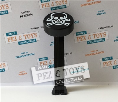 Hockey puck with Skull PEZ