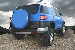 FJ Cruiser Rigid Tire Cover by Boomerang
